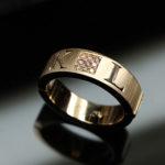 handgravyr-ring-monogram-text-initialer-1
